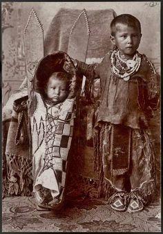 Comanche children near Fort Sill in Oklahoma - circa 1895