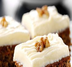 Enjoy our twist on an old favourite with this recipe for carrot cake. Using FAGE Total Yoghurt ensures a moist cake in addition to being healthier. Greek Sweets, Greek Desserts, Greek Recipes, Yogurt Recipes, Moist Carrot Cakes, Moist Cakes, Cake Recipes, Dessert Recipes, Cake Bars
