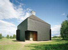 Kärsämäki Church in Kärsämäki, Finland / designed by Anssi Lassila & Lassila Hirvilammi (photo by Jussi Tiainen)