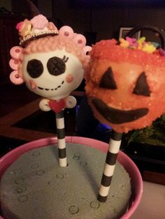 Lalaloopsy witchy halloween cake pops  #cakepops #halloweencakepops #lalaloopsy