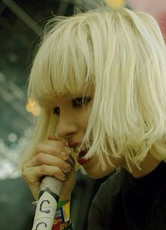 Alice Glass, Crystal Castles