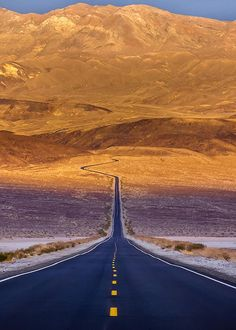USA Road Trip Ideas and Tips. If you are looking to head out on a road trip, there are a lot of different places you could go. Below, we will be going over some of the top USA road trip Beautiful Roads, Beautiful Places, Places To Travel, Places To Visit, Death Valley National Park, Foto Instagram, To Infinity And Beyond, Road Trip Usa, Nature Pictures