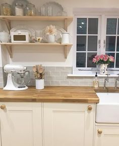 Metro wall tiles love attention and are ideal for a modern and contemporary bathroom or kitchen setting. Grey Kitchen Tiles, Country Kitchen Tiles, Kitchen Room Design, Farmhouse Kitchen Decor, Home Decor Kitchen, Kitchen Interior, New Kitchen, Kitchen Dining, Cream Country Kitchen