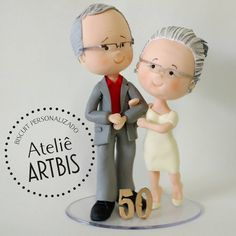 "64 curtidas, 1 comentários - Ateliê Artbis (@atelieartbis) no Instagram: ""Bodas de ouro . . #biscuit #biscuitpersonalizado #bodasdeouro #porcelanafria #polymerclay #bodas…"""
