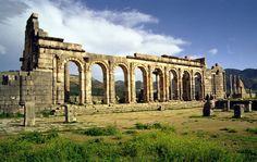 Parmis les 18 sites historiques marocains à visiter absolument: Volubilis