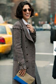 Yasmin Sewell - Citizen Couture ... The combo of this classic coat with the two-coloured bag somehow makes it more interesting
