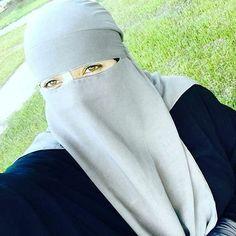 Niqabi selfie