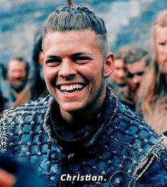 Ivar the Boneless Ivar Vikings, Vikings Ragnar, Ragnar Lothbrok, Vikings Show, Vikings Tv Series, Viking Wallpaper, Viking Quotes, Netflix, Viking Series