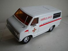 Matchbox Lesney SUPEKINGS Ltd.Ed. Dodge Van C1980 - West Mids.Ambulance (250)  - http://www.matchbox-lesney.com/41544