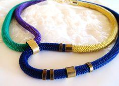 Multi colore corda collana tribale collana oro smeraldo blu
