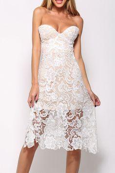 Superposición de encaje blanco vestido sin tirantes de Midi