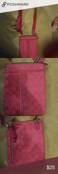 Coach crossbody Crossbody bag in great condition Coach Bags Crossbody Bags