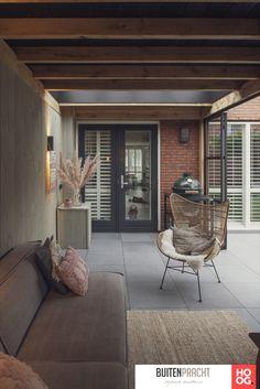Paris Home, Garage Interior, Home Look, Interior Styling, Facade, Swimming Pools, United Kingdom, Beach House, Pergola