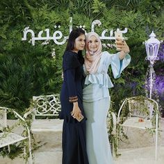 'Happiness and confidence are the prettiest things you can wear.' -Taylor Swift. On Left: @niniemarlyne is looking radiant and charming donning VERCATO Amelia to a recent Raya Open House invitation by Neelofa. Get her Baju Kurung via VERCATO.com (VERCATO Amelia in navy blue) | WhatsApp: 6011-26600313 | E-mail: info@vercato.com.#bajukurung2016 #kurungmoden #bajukurungmoden #bajukurung #kahwin #kebaya #zalora #zaloramy #zalorasg #singapore #brunei #malaywedding #muslimahwear #malaysia #neelofa