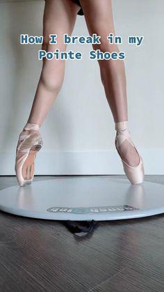 Dancer Workout, Gymnastics Workout, Ballet Feet, Ballet Dancers, Ballet Terms, Dancer Stretches, Beginner Ballet, Ballet Quotes, Ballet Dance Photography