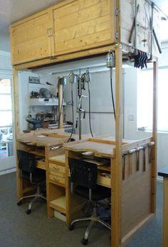 Michael David Sturlin's student benches with overhead storage Dream Studio, Home Studio, Workshop Studio, Workshop Ideas, Overhead Storage, Jewellers Bench, Studio Organization, Workshop Storage, Workspace Inspiration