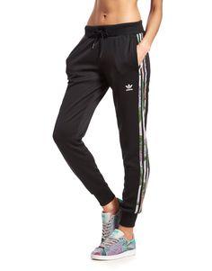 new product a27ac 3d497 adidas Originals Track Pants Floral   JD Sports Sverige Adidas Originals,  Aktivt Slitage, Träningsskor
