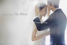 This studio is unique for its pure and white backdrop settings. The pre-wedding focused on the white scenes, white gown and couples' facial expression. Definitely recommend for couples who de…