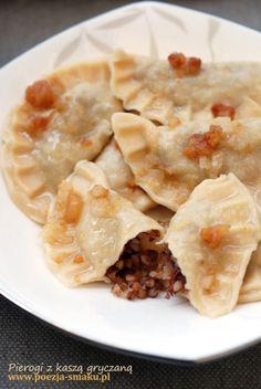 Pierogi z kaszą gryczaną i boczkiem / Pierogies (dumplings) with buckwheat and becon (recipe in Polish)