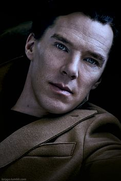 Cumberbatch is always effortlessly sexy without even trying. Sherlock Quotes, Sherlock John, Watson Sherlock, Jim Moriarty, Sherlock Cumberbatch, Benedict Cumberbatch Sherlock, Mrs Hudson, John Watson, Johnlock