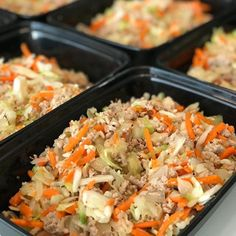 Egg Roll in a Bowl — Clean Monday Meals INGREDIENTS: lean ground turkey 2 cups shredded cabbage 2 cups shredded carrots 1 medium onion, chopped 3 cloves of garlic, minced 3 tbsp Braggs Liquid Aminos 2 tsp Rice Vinegar Salt & Pepper to taste Appetizer Dishes, Appetizer Recipes, Entree Recipes, 500 Calorie Meals, Pork Egg Rolls, Clean Eating, Healthy Eating, Clean Meals, Eggroll In A Bowl