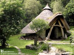 The Storytelling Roundhouse at the eco-retreat center, Cae Mabon, located in northern Wales. They offer several dwellings (like this thatched roundhouse) for overnight stays, retreats, or to explore the Celtic landscape. Fairytale Cottage, Storybook Cottage, Garden Cottage, Natural Homes, Unusual Homes, Natural Building, Green Building, Mabon, Earthship