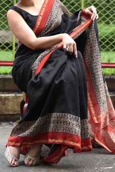 Handblock Printed Chanderi Silk Saree by Dvija Pure Georgette Sarees, Kota Silk Saree, Chanderi Silk Saree, Black Cotton Saree, Silk Cotton Sarees, Cotton Saree Blouse Designs, Saree Sale, Sari Design, Saree Models
