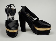1949, America - Pair of Woman's Sandals by David Evins - Silk satin, leather
