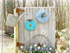 décoration-jardin-objets-récup-arrosoir-porte-bois-jacinthes