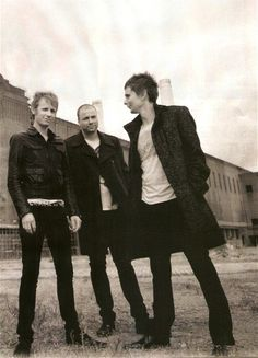 when i saw this picture i thought they were so classy! i do blame matt for that :}