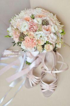 Лучшие свадебные букеты из орхидей и роз — 10