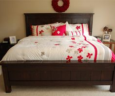 Farmhouse bed king size.