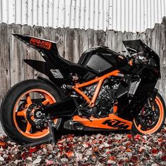 Ktm Lord have mercy! Ktm Rc8, Custom Street Bikes, Custom Bikes, Moto Bike, Motorcycle Bike, Bmw 327, Moto Design, Course Moto, Ride Out