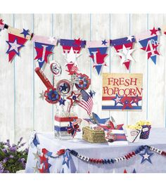 Create a pennant perfect for your 4th of July party!