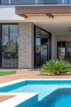 Backyard Pool Landscaping, Backyard Pool Designs, Pool House Designs, Modern House Facades, Modern Villa Design, Model House Plan, Luxury Homes Dream Houses, Dream Home Design, Facade House