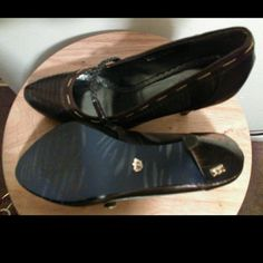 Derion Heels Excellent condition only worn once Dereon Shoes Heels