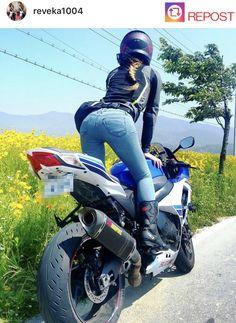 Lady Biker, Biker Girl, Motorbikes Women, Motard Sexy, Belle Nana, Beste Jeans, Dirt Bike Girl, Motorbike Girl, Suzuki Motorcycle