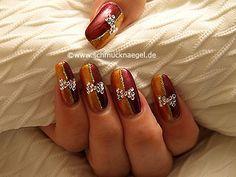 Nail art motivo 179 - Piedras strass y esmalte para decorar las uñas -  http://www.schmucknaegel.de/