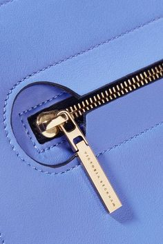 Cornflower-blue leather (Calf) Zip fastening along top Weighs approximately Made in Italy Sewing Leather, Leather Craft, Leather Bags Handmade, Leather Tooling, Leather Wallet, Sacs Design, Leather Projects, Leather Design, Leather Accessories