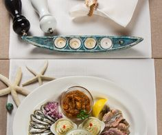Gustare Cherhana Restaurant, Hummus, Ethnic Recipes, Food, Diner Restaurant, Essen, Meals, Restaurants, Yemek