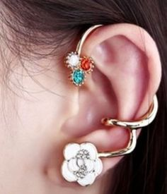 AEKK fashion earring,I need this one to add to my collection.