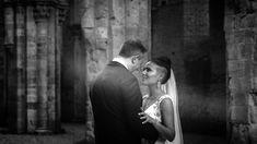 Wedding video at San Galgano Abbey, Tuscany - Italy Gattotigre-wedding videographer in Italy
