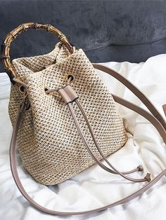 Messenger Bags Women Beach Bamboo Bracelet Straw Burlap Square Beach Drawstring Straw Bag Burlap Messenger Bag Dropship Top-Handle Bags - Women's style: Patterns of sustainability Crochet Tote, Crochet Handbags, Crochet Purses, Knit Fashion, Fashion Bags, Mickeal Kors, Straw Handbags, Boho Bags, Vintage Stil