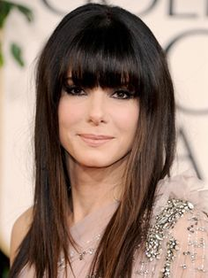 Sandra Bullock at the 2011 Golden Globe Awards with straight hair and bangs. Layered Haircuts With Bangs, Curly Hair With Bangs, Short Hair Updo, Easy Hairstyles For Long Hair, Long Curly Hair, Big Hair, Hairstyles With Bangs, Cool Hairstyles, Casual Hairstyles