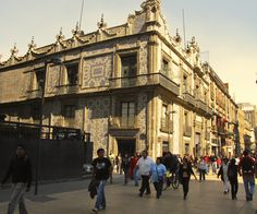 Casa de los Azulejos, Mexico City D.F.   Photo by Linda Janse