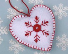 Ornamento di Natale feltro. Rosso verde bianco di PuffinPatchwork