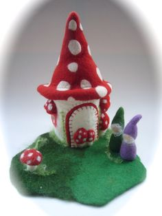 Toadstool-house. Hand Felted. Waldorf  . Wet Felted. by FilzArts