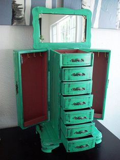 Jewelry Box Vintage Rustic Green Mirrored Countertop Jewelry Armoire - Explore our gallery of the 25 most creative Teal Jewelry, Rustic Jewelry, Wooden Jewelry Boxes, Jewellery Boxes, Jewellery Storage, Craft Jewelry, Painted Furniture, Diy Furniture, Hello Furniture