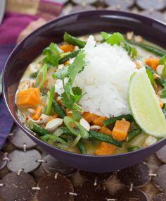 Recipe: Thai Green Coconut Curry with Long Beans & Jasmine Rice - Blue Apron Vegan Vegetarian, Vegetarian Recipes, Cooking Recipes, Healthy Recipes, Vegan Foods, Curry Recipes, Healthy Meals, Healthy Food, Paleo