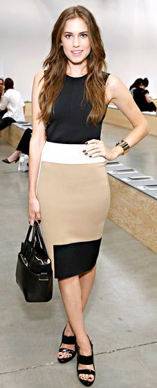 WHAT SHE WORE Allison Williams hit the Reed Krakoff runway show during New York Fashion week in a tan, white and black colorblock dress and sleek accessories. )